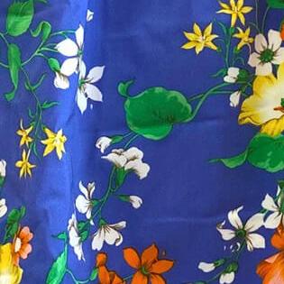 fiori sfondo blu